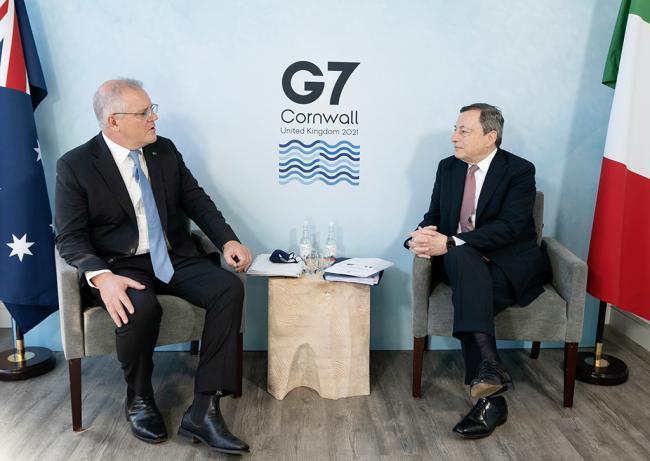 Vertice G7, incontro bilaterale Draghi - Morrison