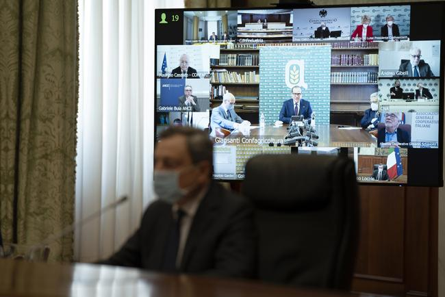 Il Presidente Draghi incontra le parti sociali