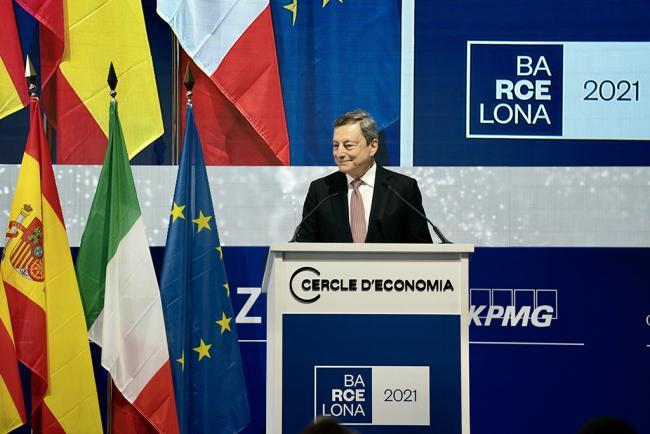 """Il Presidente Draghi riceve il """"Premio per la costruzione europea"""" del """"Cercle d'Economia"""""""