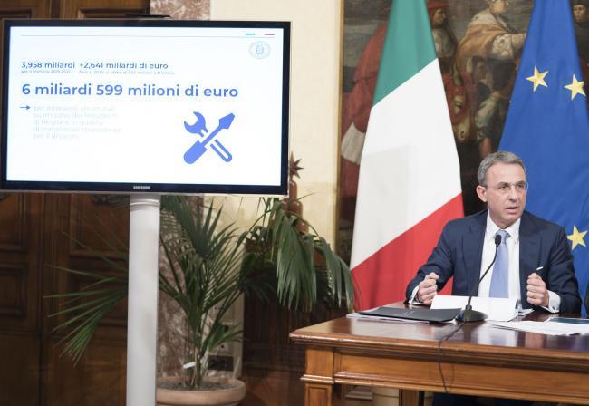 """Il Ministro Costa in conferenza stampa per la presentazione di """"ProteggItalia"""""""