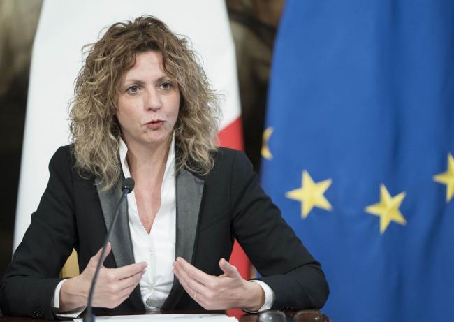 """Il Ministro Lezzi in conferenza stampa per la presentazione di """"ProteggItalia"""""""