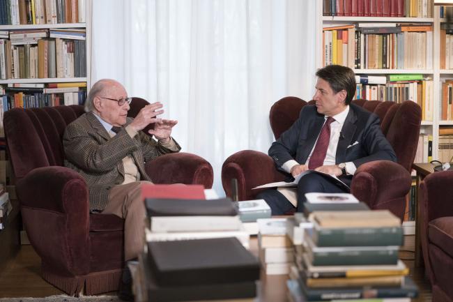 Il Presidente Conte con il Professore Emanuele Severino