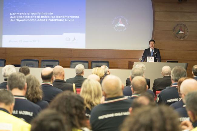 Il Presidente Conte alla cerimonia di consegna delle Benemerenze di Protezione Civile