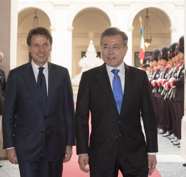 Il Presidente Conte riceve il Presidente della Corea del Sud