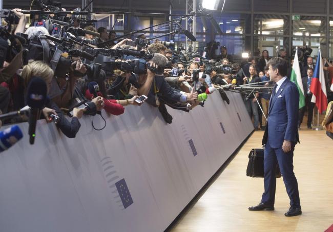 Il punto stampa del Presidente Conte al suo arrivo all'Europa Building