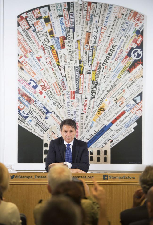 Il Presidente Conte incontra la stampa estera