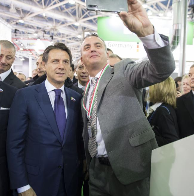 Visita dei padiglioni italiani all'Expocentre