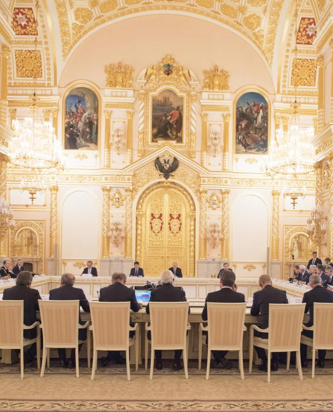 Il Presidente Conte con il Presidente Putin durante l'incontro con gli imprenditori