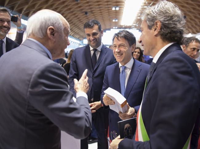 Il Presidente Conte visita gli stand della Fiera di Rimini