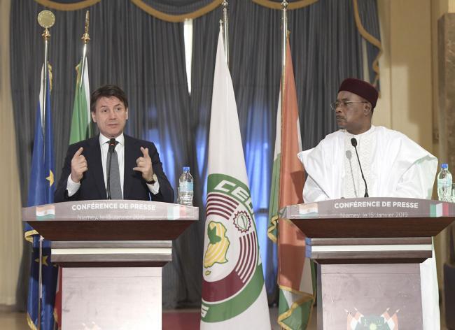 Il Presidente Conte con il Presidente della Repubblica del Niger in conferenza stampa
