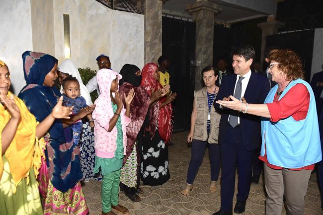 Il Presidente Conte visita le case di transito gestite dall'UNHCR