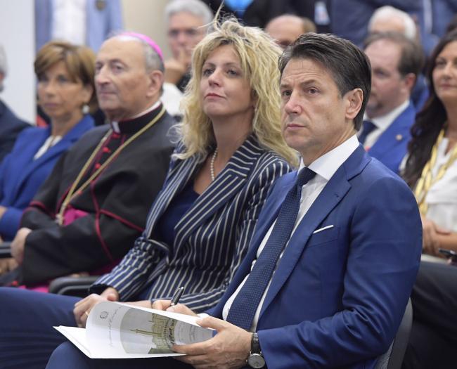Il Presidente Conte con il Ministro Lezzi alla Fiera del Levante