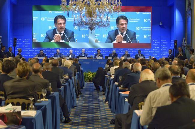 Il Presidente Conte al Forum Ambrosetti