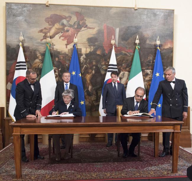 Firma di accordi