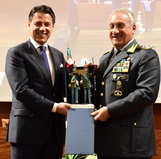 Il Presidente Conte con il Comandante Generale della Guardia di Finanza