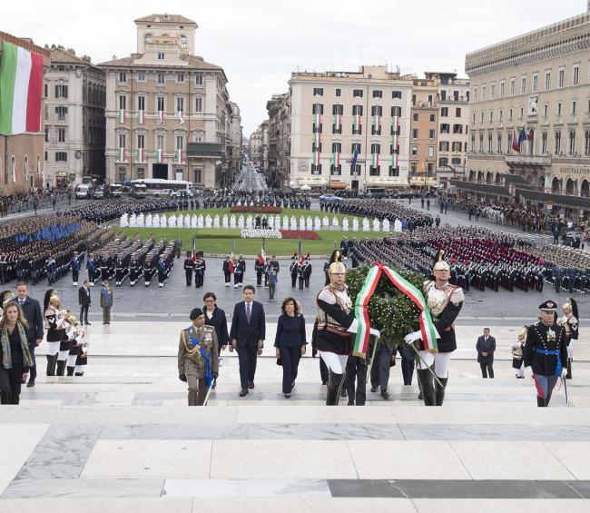 Giornata dell'Unità nazionale e delle Forze Armate, Conte all'Altare delle Patria