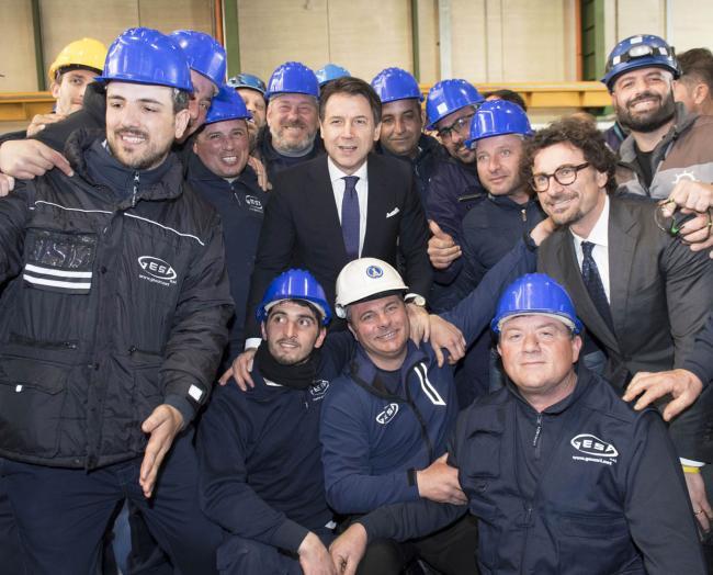 """Il Presidente Conte e il Ministro Toninelli con gli operai di """"Fincantieri Infrastructure"""""""