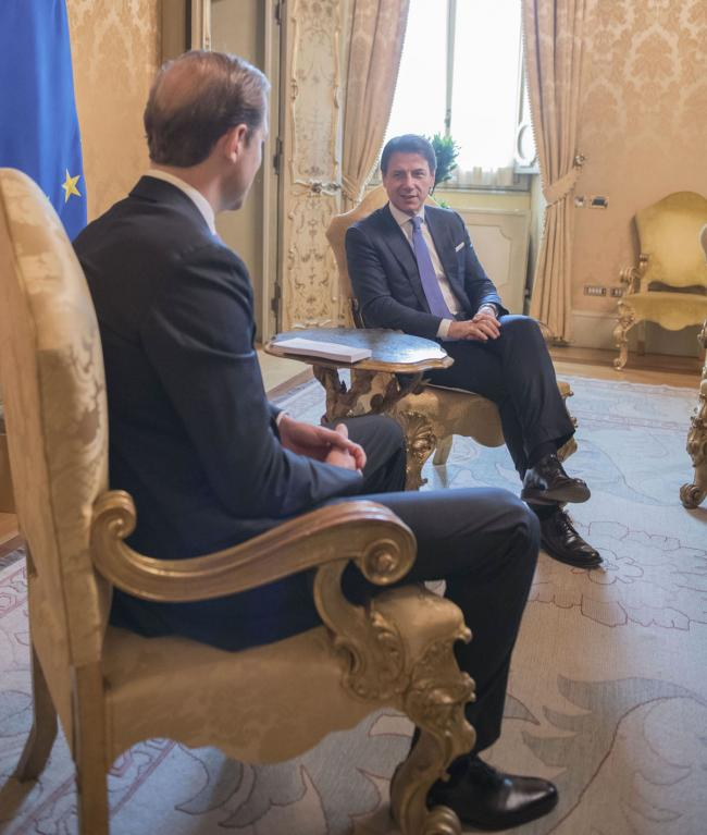 Il Presidente Conte con il ministro dell'Industria russo Manturov