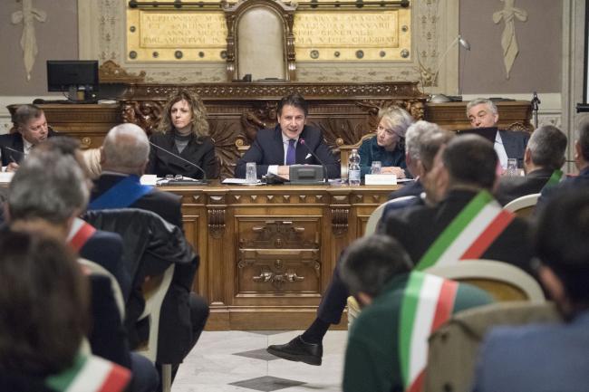 Conte incontra i Sindaci ei rappresentanti degli Enti locali e delle organizzazioni di categoria