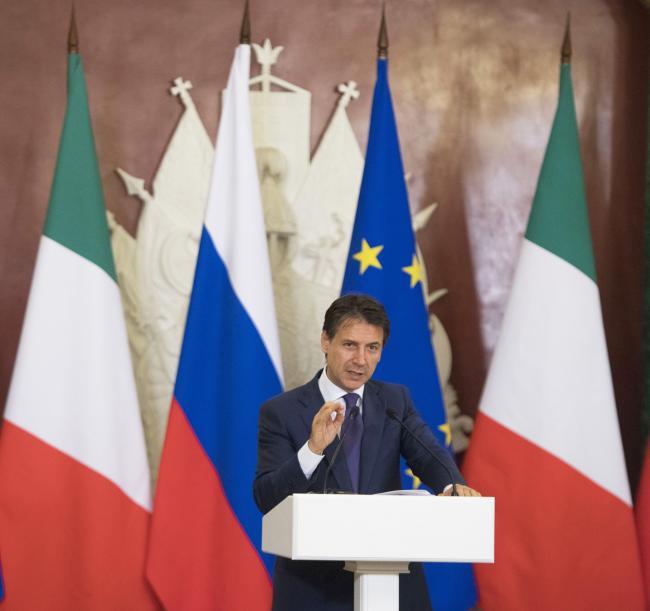 Il Presidente Conte durante la conferenza stampa congiunta