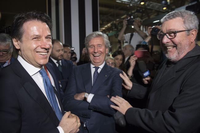 Conte visita il Salone internazionale del Mobile