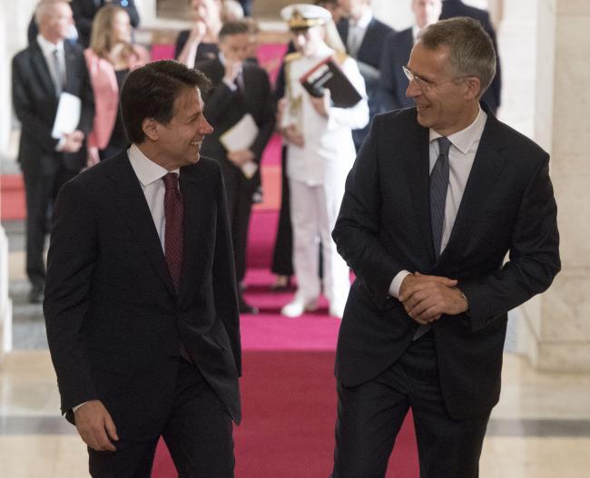 Conte incontra Stoltenberg