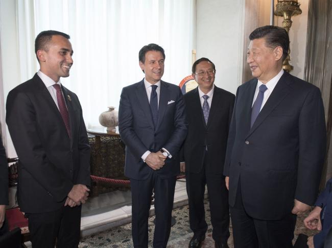 Il Presidente Conte con il Vice Presidente Di Maio e il Presidente Xi Jinping a Villa Madama