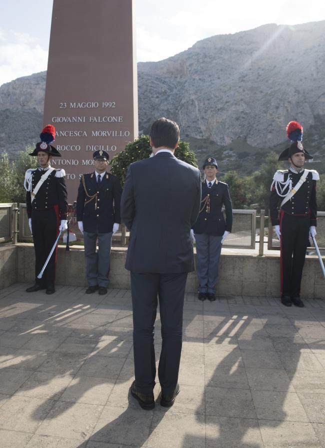 Capaci, il Presidente Conte rende omaggio al giudice Falcone, a sua moglie e agli uomini della scorta