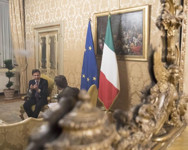 Il Presidente Conte durante l'intervista conTom Kington