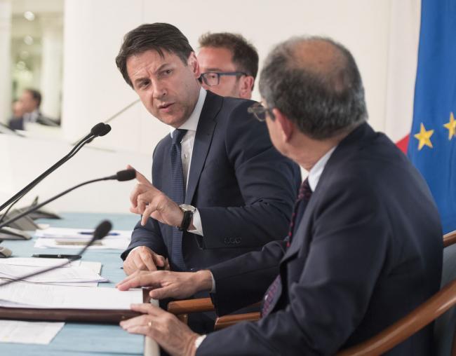 Consiglio dei Ministri n. 11, il Presidente Conte e i Ministri Tria e Bonafede in conferenza stampa