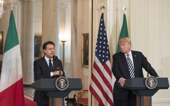 Il Presidente Conte con il Presidente Trump in conferenza stampa