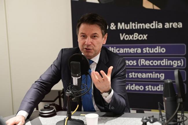 Conte nello Studio radiofonico del Parlamento europeo