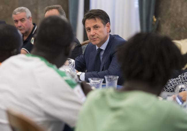 Prefettura di Foggia, il Presidente Conte incontra le autorità una delegazione di lavoratori agricoli