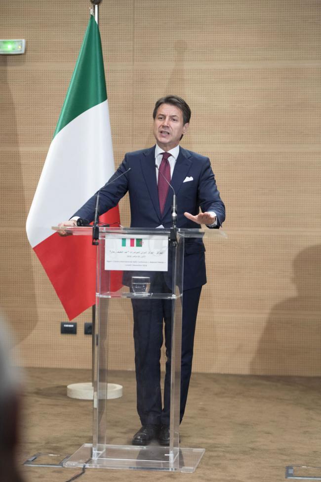 Il Presidente Conte in conferenza stampa ad Algeri