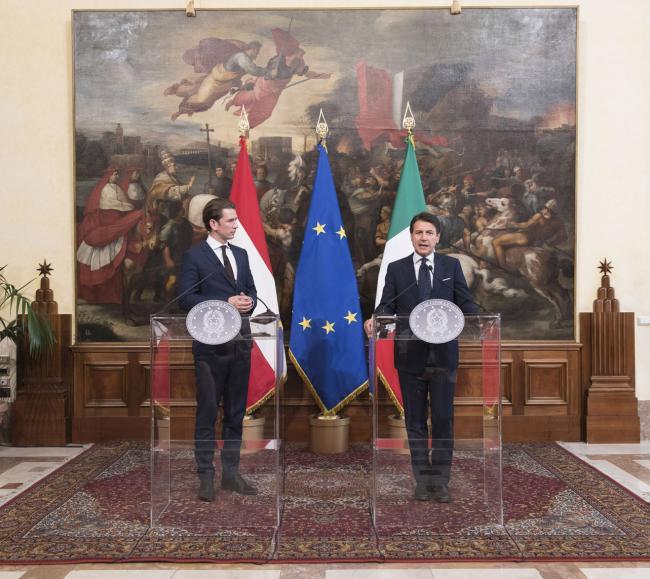 Il Presidente Conte con il Cancelliere Kurz durante le dichiarazioni alla stampa