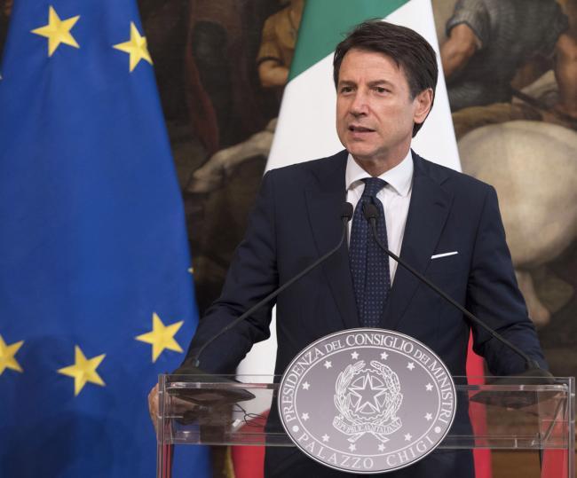 Il Presidente Conte durante le dichiarazioni alla stampa con il Cancelliere Kurz