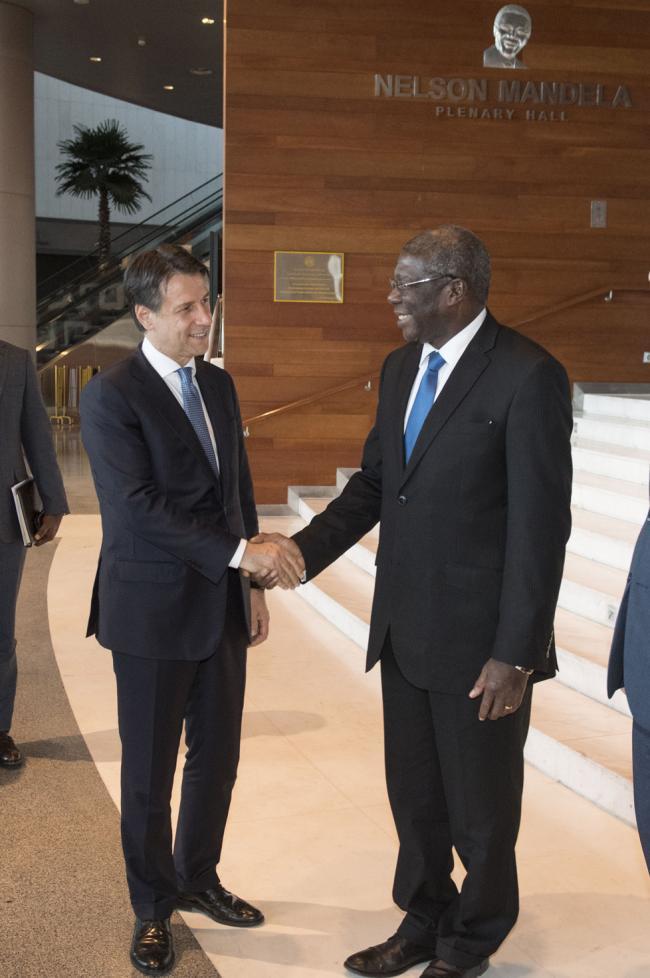Il Presidente Conte con il Vice Presidente della Commissione dell'Unione Africana