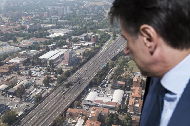 Borgo Panigale, il Presidente Conte sorvola in elicottero il luogo dell'incidente