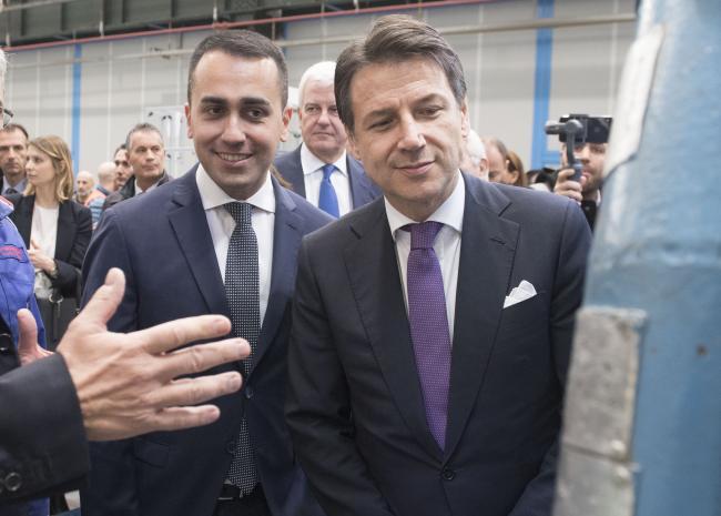 Conte e Di Maio allo stabilimento Leonardo Aerostrutture