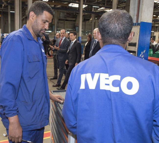 Il Presidente Conte in visita allo stabilimento IVECO/AMCE
