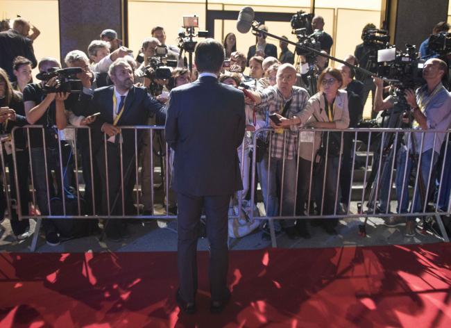 Il Presidente Conte al suo arrivo a Salisburgo