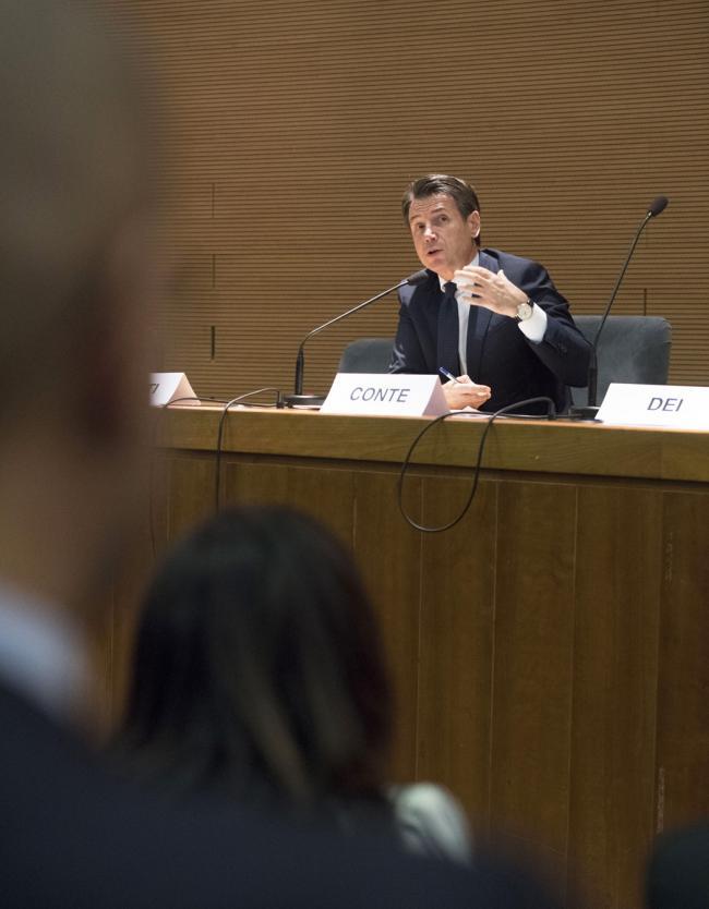 Il Presidente Conte alla Scuola di Giurisprudenza dell'Università di Firenze