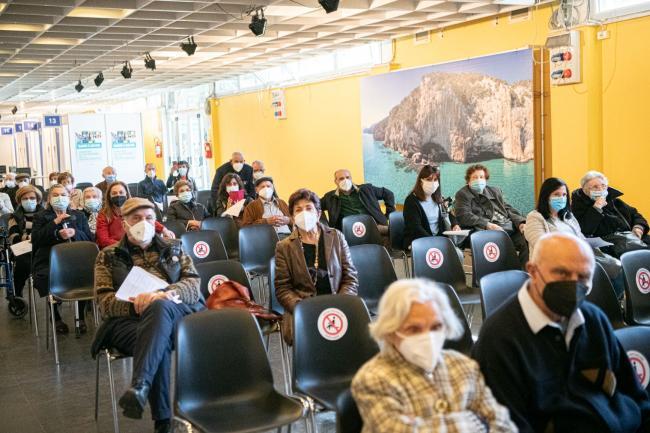 Il Commissario straordinario visita l'hub vaccinale di Cagliari