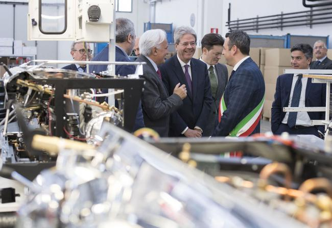Gentiloni visita l'azienda Nuova Simonelli