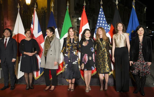 """G7 sulle Pari Opportunità, i partecipanti assistono all'esibizione di Roberto Bolle al Teatro """"Massimo Bellini"""" di Catania"""