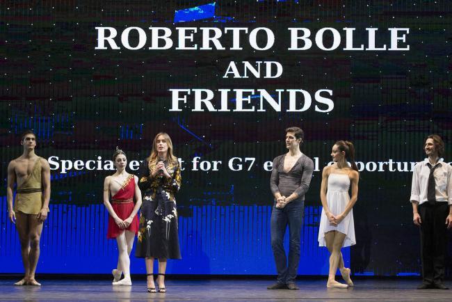 La Sottosegretaria Boschi con Roberto Bolle