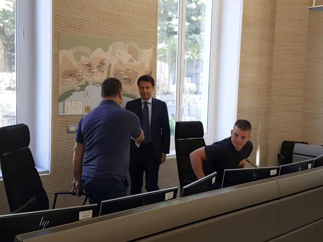 Il Presidente Conte incontra gli operatori del 118 all'ospedale San Martino