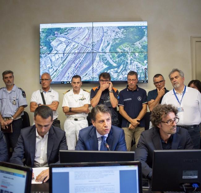 Genova, il Presidente Conte con i Ministri Di Maio e Toninelli in Prefettura