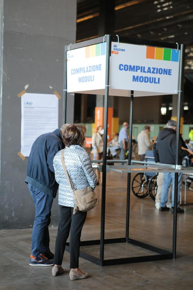 Inaugurazione dell'hub vaccinale alla Fiera di Genova