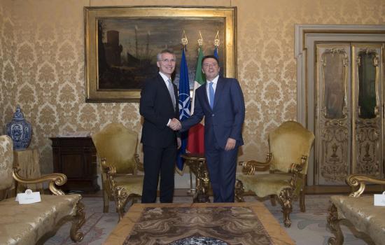 Matteo Renzi e Jens Stoltenberg